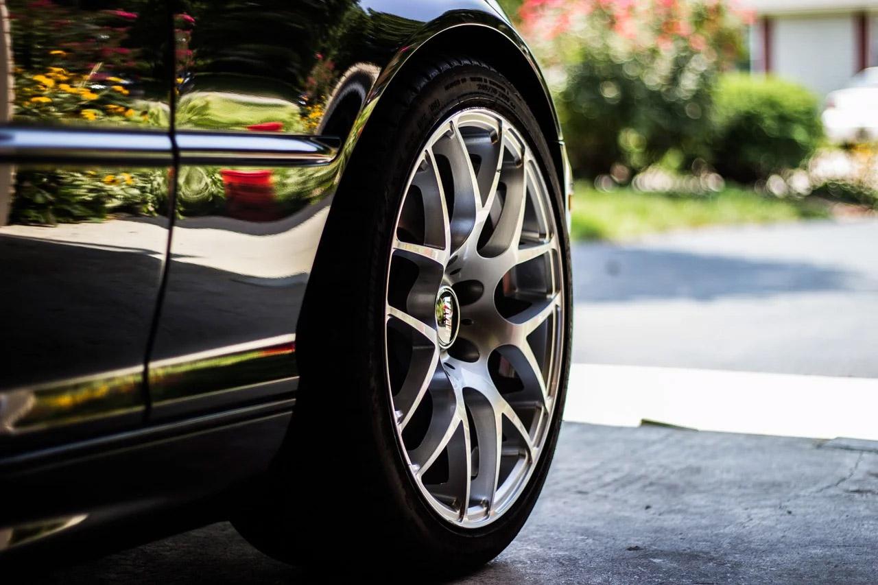 Changer une roue de voiture : comment faire ?